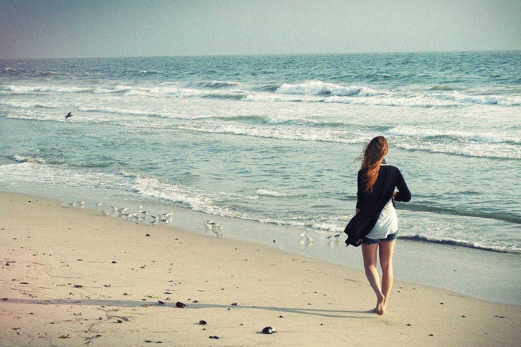 beach woman, walking away, woman walking away